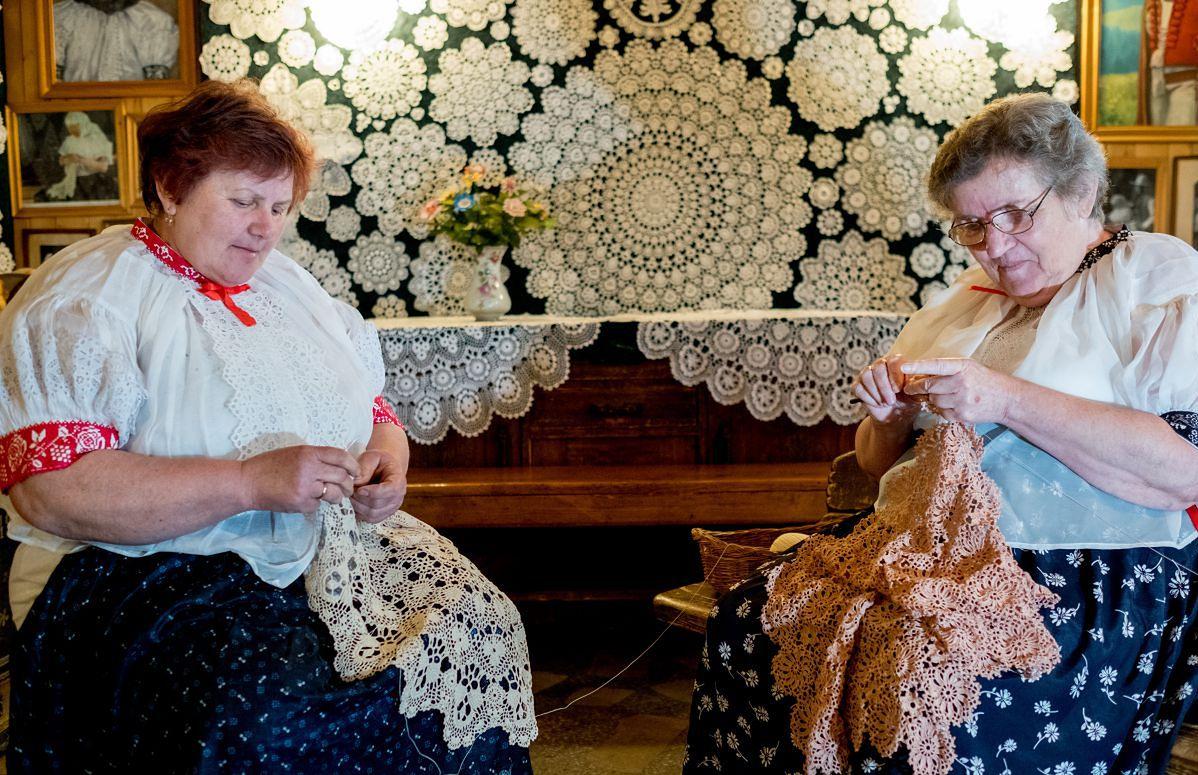 Koronki z Koniakowa na liście dziedzictwa kulturowego UNESCO!