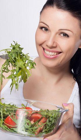 Dowiedz się, co jeść, a czego unikać, aby mieć zdrowe zęby?