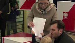 Wnuczek Kopacz rozpłakał się przy urnie do głosowania