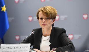 Emilewicz nie dostanie mandatu za przejście na czerwonym świetle