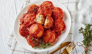 Pulpety rybne w sosie pomidorowym