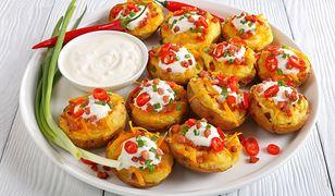 Nadziewane ziemniaki. Szybki obiad za grosze