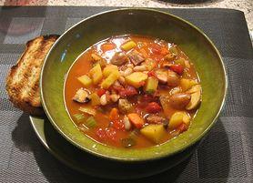 Zagęszczona zupa fasolowa z frankfurterkami (do kupienia gotowa do spożycia)