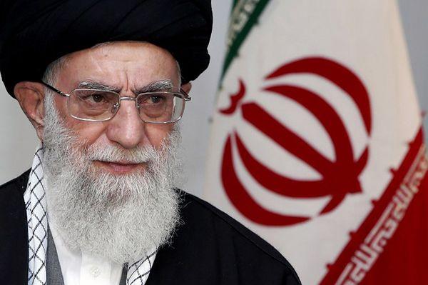 """Al Chamenei krytykuje film Clinta Eastwooda. Powód? """"Antymuzułmańskie treści"""""""