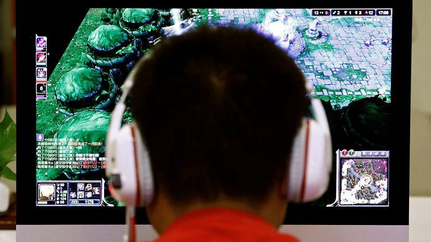 Chiński rząd ogranicza czas grania dla osób poniżej 18 roku życia.