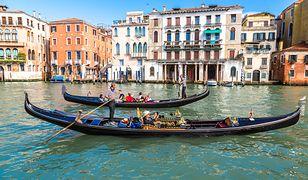 Przedstawiciele branży turystycznej szacują, że jednodniowych gości przybywa do Wenecji 22 mln rocznie