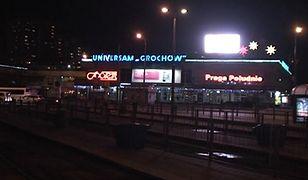 Kultowy neon z Universamu Grochów. Jakie będą jego losy?