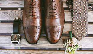 Wizytowe buty męskie często różnią detalami, np. zdobieniami lub sposobem szycia