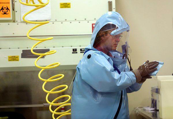 Według WHO wirus ebola zabił już w Afryce Zachodniej ponad 4950 osób