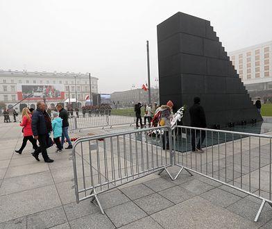 Pomnik ofiar katastrofy smoleńskiej autorstwa Jerzego Kaliny