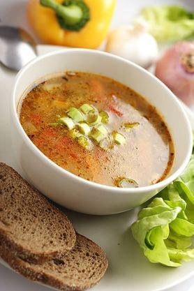 Zagęszczona zupa gumbo z kurczaka (do kupienia gotowa do spożycia)