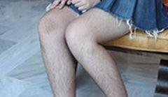Pokazują nieogolone pachy i nogi