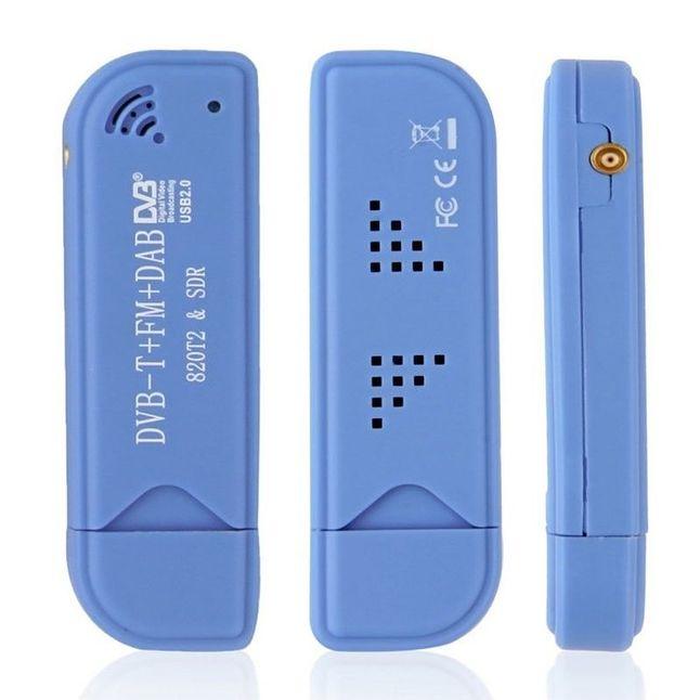 Jeden z popularniejszych modeli chińskich tunerów DVB-T, bazujący na układach Realtek RTL2832u oraz Rafael Micro R820T/2 (źródło: ebay.pl)