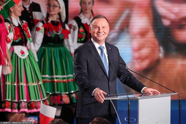 Wieczór wyborczy Andrzeja Dudy. Wyniki wyborów 2020 wskazują na zwycięstwo urzędującego prezydenta w I turze wyborów