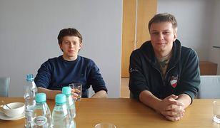 Michał Kowalczyk z Dragon Sector (po lewej) i Mateusz Szymaniec z P4