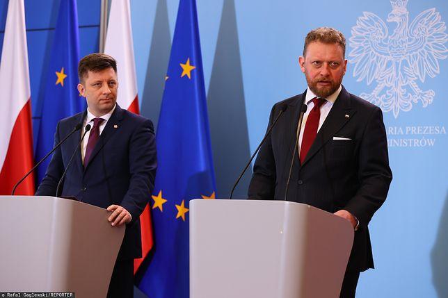 Koronawirus w Polsce. Szef KPRM Michał Dworczyk i minister zdrowia Łukasz Szumowski
