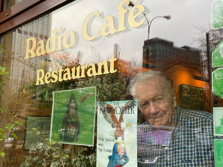 85-letni restaurator z Warszawy sprzedaje mieszkanie, by uratować biznes i pracowników