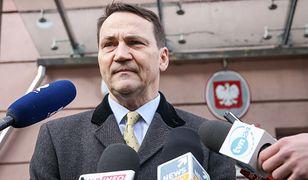 Radosław Sikorski przed wejściem do Prokuratury Krajowej