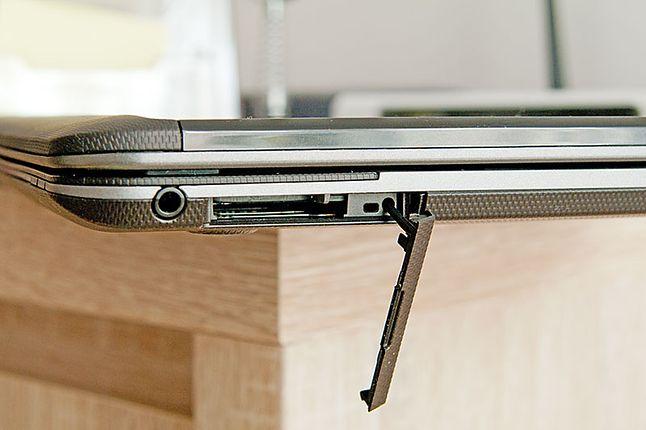Gniazdo kart SD nie jest ergonomiczne