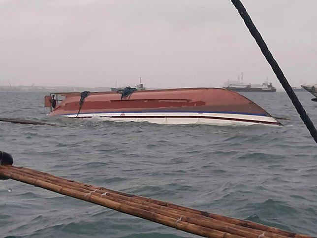 Filipiny. Zatonęły 3 promy, nie żyje co najmniej 7 osób