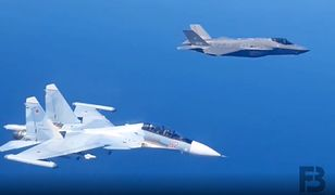 Su-30 i F-35 w locie