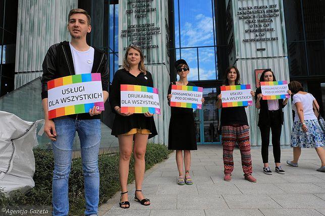 Pikieta środowisk LGBT pod Sądem Najwyższym