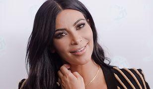 Kim Kardashian znów jest blondynką. Takie odcienie blondu będą królowały tego lata