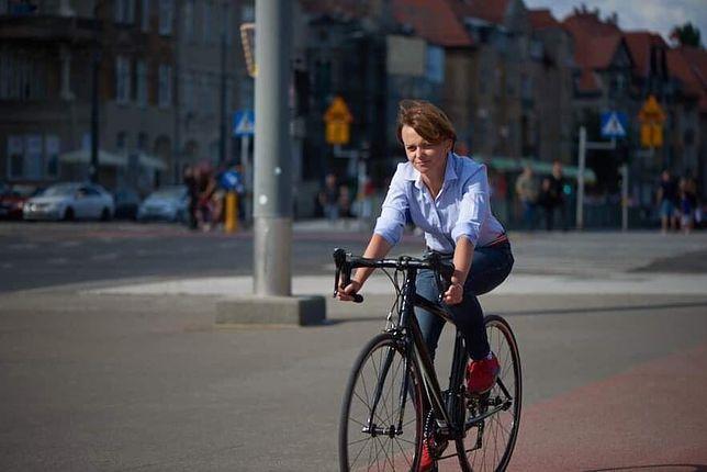Poznań. Minister Jadwidze Emilewicz skradziono rower podczas mszy św.