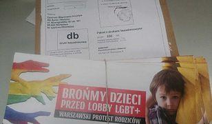 Ulotki i petycja przeciw deklaracji LGBT+ w Warszawie.