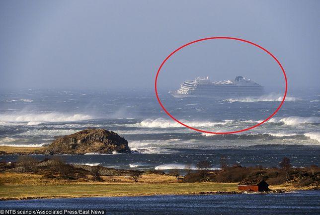 "Norwegia. Statek ""Virgin Sky"" dryfuje w kierunku lądu"