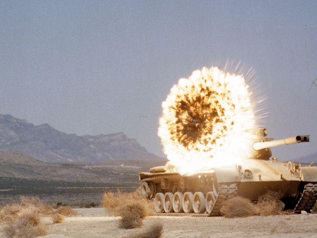 Czołg M47 podczas testów amunicji Copperhead (zdjęcie ilustracyjne)
