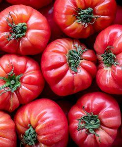 Mazowieckie. Ukradł 600 kg pomidorów. Handlował pod marketem