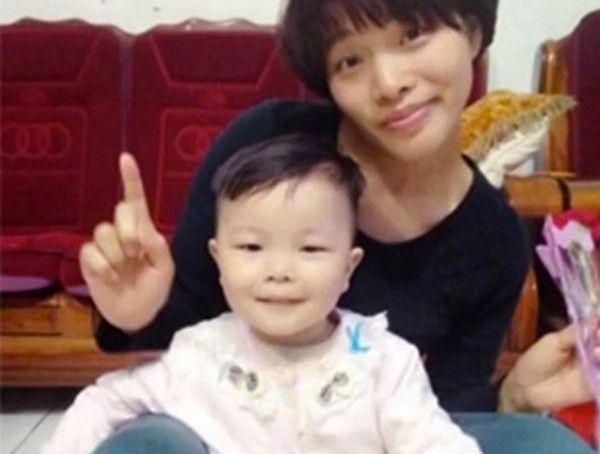 Chiny: 3-latka została dawcą organów dla pięciu osób. Rodzice: sama chciała