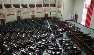 Podwyżki dla polityków. Sejm przyjął poprawki Senatu