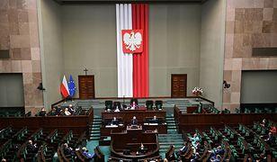 """Gorąco w Sejmie. Poseł PiS nazwany """"wazeliniarzem"""""""