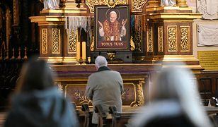 Koronawirus w Polsce. Parafia w Mierzynie odprawi w niedzielę 46 mszy świętych w jeden dzień