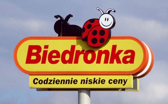 """Coraz więcej podmiotów przyłącza się do krytyki Biedronki. Teraz gorzkie słowa padły ze strony """"Solidarności""""."""