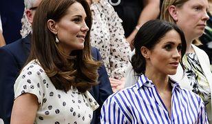 Księżna Kate i księżna Meghan noszą torebki w lewej ręce. Mają powód