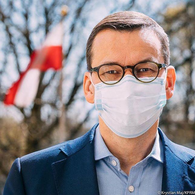 Koronawirus w Polsce. Mateusz Morawiecki w maseczce