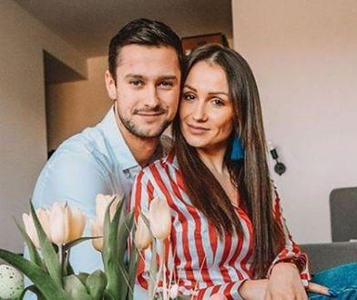 """Sylwia i Mikołaj z """"Love Island"""" przechodzą kryzys, ale się nie poddają."""