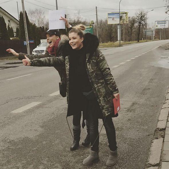 """""""Azja Express"""": Włodarczyk i Konarowska jeździły po Warszawie autostopem. Mamy wideo!"""