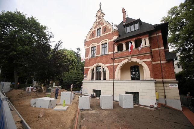 Radni PO w Szczecinie przekonują, że pomnik Lecha Kaczyńskiego powstaje nielegalnie