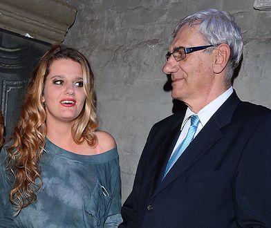 Zosia Zborowska wzięła ślub z Andrzejem Wroną 13 sierpnia. Do ołtarza odprowadził ją ojciec Wiktor Zborowski.