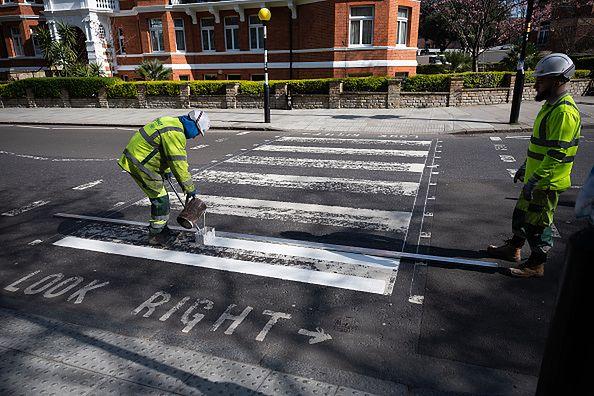 Koronawirus w Londynie. Odmalowano pasy na słynnej Abbey Road