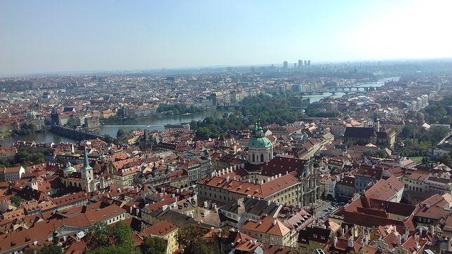 Widok na Pragę  z wieży katedralnej