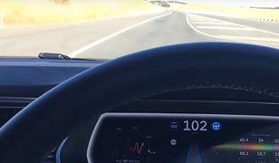 Nie pośpisz jadąc autonomiczną teslą. Samochód zareaguje błyskawicznie