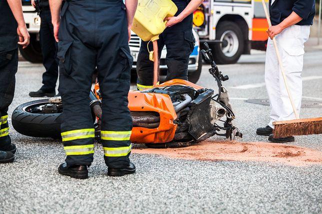 Wypadki z udziałem motocyklistów często kończą się tragicznie.