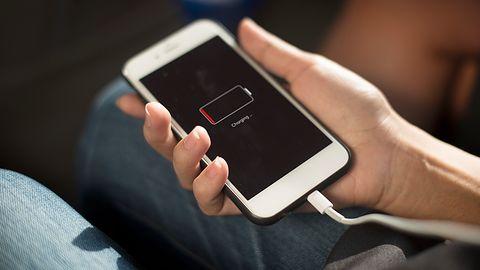Masz ostatnie 5% baterii w smartfonie? Przeżyj tę chwilę razem z innymi
