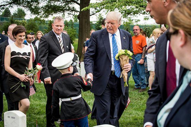 Tym gestem Trump zapunktuje u Amerykanów?