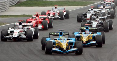 <a href=http://sport.wp.pl/kat,1775,wid,7375528,wiadomosc.html><B>Grand Prix Kanady</b></a>Na pierwszych metrach jak zwykle tłok.